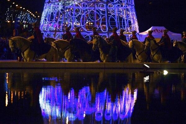 No todo fue ilusión, la Guardia Real Montada española se sumó a la celebración. Foto: AFP
