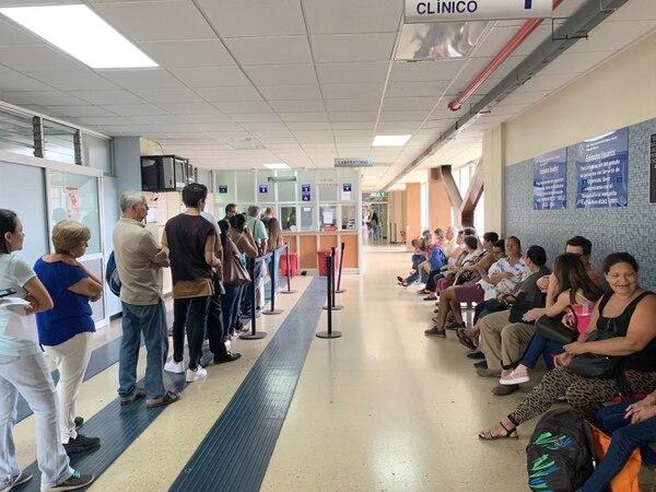 La huelga comenzó el 5 de agosto. La CCSS instó a los pacientes a acudir a citas y procedimientos, aunque algunos no fueron atendidos o esperaron más de lo acostumbrado. Esta es una imagen del Hospital México. Foto: Jorge Castillo