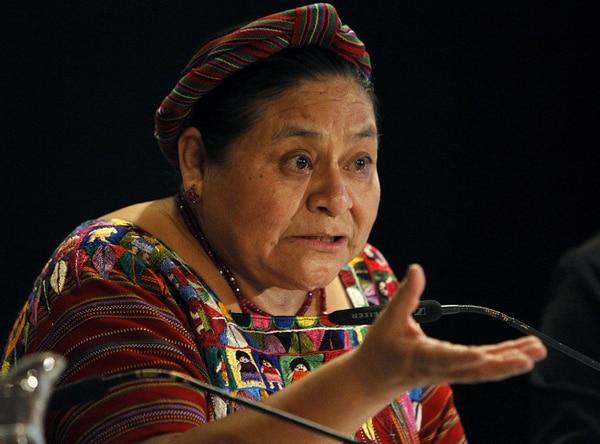 Rigoberta Menchú, premio Nobel de la Paz, en una conferencia de prensa en Madrid.