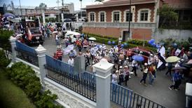 Diputados aprueban vía rápida a proyecto para frenar abusos con huelgas