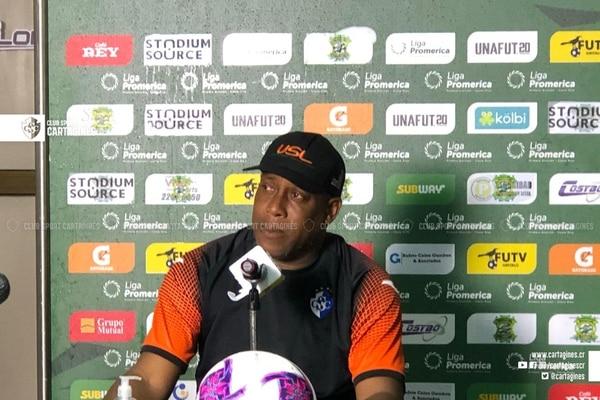 Hernán Medford en conferencia de prensa tras el juego ante Limón FC. FOTO: Prensa Cartaginés.