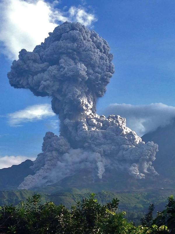 El volcán Santiaguito es uno de los volcanes más explosivos en Latinoamérica.