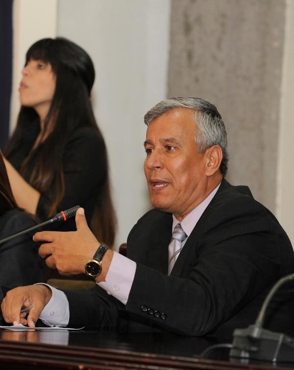 El ministro de Trabajo, Víctor Morales, estudia cómo aplicar topes a las pensiones millonarias con cargo al Presupuesto Nacional.   JONATHAN JIMÉNEZ