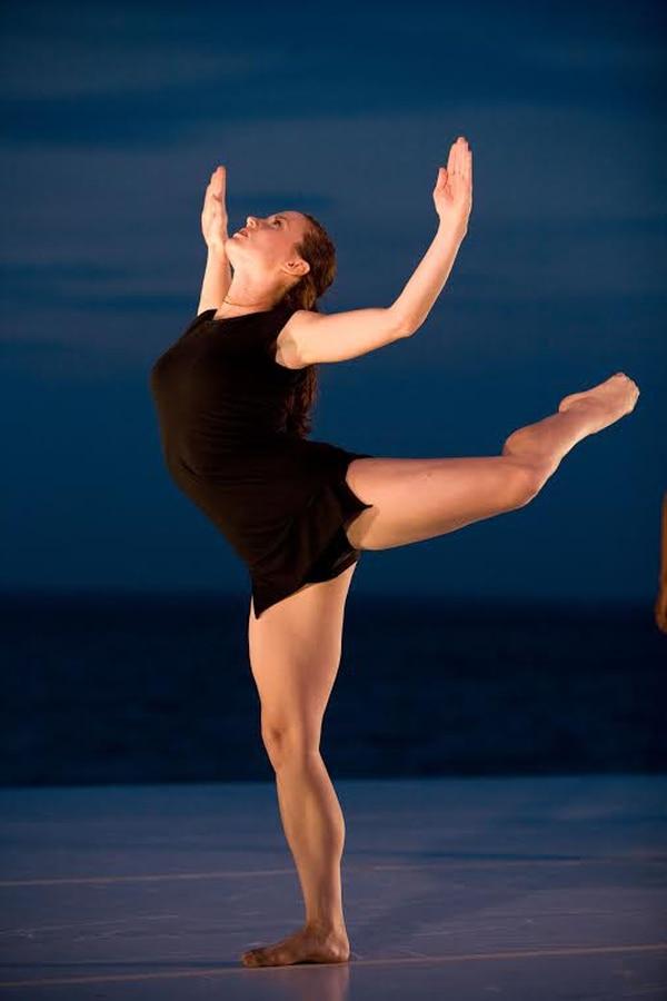 Seis bailarines de danza contemporánea de Estados Unidos y tres de Costa Rica participan en el espectáculo