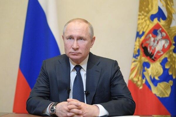 El presidente ruso, Vladimir Putin, habló sobre el nuevo coronavirus desde la residencia Novo-Ogaryovo, en las afueras de Moscú, el 25 de marzo de 2020.