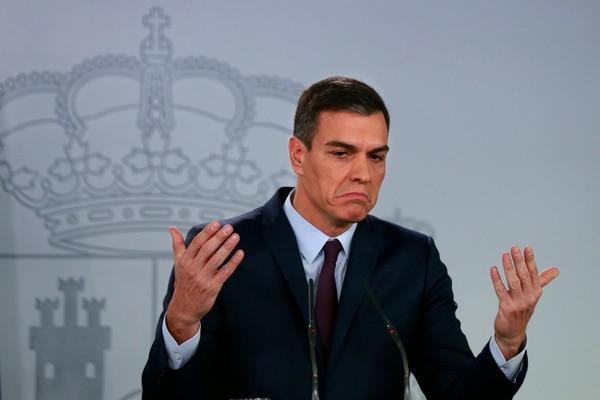 El presidente del Gobierno español, Pedro Sánchez, durante el anuncio de elecciones legislativas anticipadas que hizo este viernes 15 de febrero del 2019 en el palacio de la Moncloa, en Madrid.