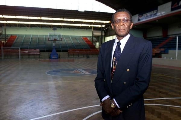 Eddy Bermúdez radicó en Chile desde su retiro del baloncesto y siempre añoró regresar a su natal Puerto Limón.