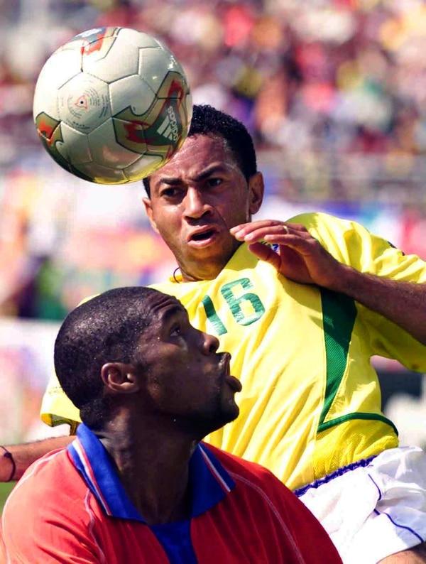 Harold Wallace enfrentó a Brasil en el Mundial de Corea-Japón 2002