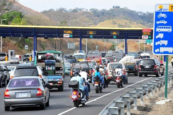 Temas como el congestionamiento vial y el cobro de peajes fueron destacados en el informa que la CGR emitió hoy lunes sobre la carretera a Caldera.