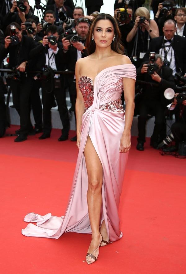 Eva Longoria estuvo en la alfombra roja de Cannes. AP