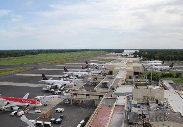 Avianca no solo pretende invertir en aeropuertos como el de El Salvador sino que incrementó vuelos entre Bogotá y Madrid, en vista del creciente interés de hacer negocios entre Europa y Latinoamérica. | ARCHIVO
