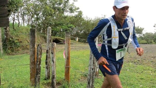 El veterano Javier Monterlo fue el vencedor de princicipio a fin de la segunda edición del Trial Marathon Arenal, cuyo recorrido se internó por las faldas del Volcán Arenal en La Fortuna de San Carlos. | CARLOS HERNÁNDEZ