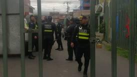 Policía desalojó feria del agricultor de Desamparados