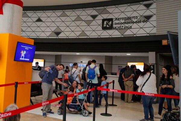 El ingreso a KidZania se hace por el aeropuerto de la ciudad, operado en Costa Rica por Copa Airlines. Fotos: Mayela López