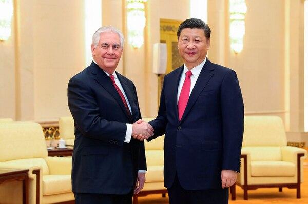 El presidente chino, Xi Jinping, y el secretario de Estado estadounidense, Rex Tillerson, se reunieron este domingo en Pekín.