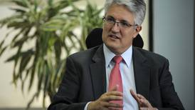 Sugese se opone a plan de elevar tarifa de remesas al exterior para reaseguros