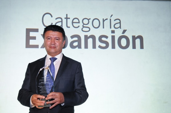 El Financiero designó, en el 2014, a Carlos Cerdas Araya, presidente de MECO como empresario del año. Fotografía: Archivo La Nación