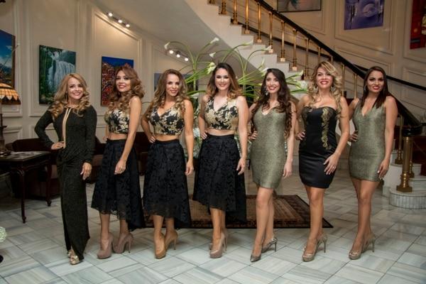 María Vanessa, Franciny, Teresita, Shirley, Natasha, Karol y Katherine (de izq. a der.) buscar coronarse como Señora Costa Rica 2017.