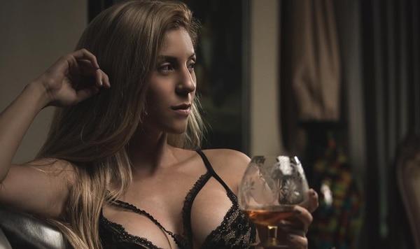 A la cama con Mimí es el nuevo programa que dirigirá la sensual modelo Libni Ortiz, en VM Latino, los miércoles a las 9 de la noche. Foto; Eloy Mora