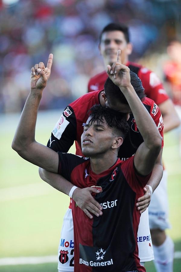 Celebra Johan Venegas. El pasado domingo la Liga ganó en Limón y batió el récord de puntos. | GRACIELA SOLÍS