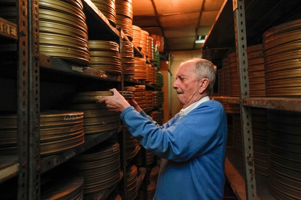 """""""La Sala Garbo es toda mi vida. Llevo la mitad de mis años trabajando aquí. Me ha alimentado tanto económica como intelectualmente"""", dijo Nico Baker en el 2012."""