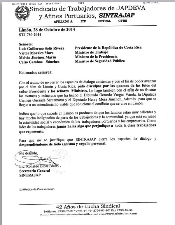 Ronaldo Blear envió este martes una nota pidiendo disculpas al presidente Solis y tres de sus ministros por quemar fotografías suyas el lunes pasado en Limón.