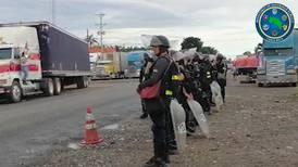 Policía asegura paso por frontera con Panamá ante amenaza de  transportistas de bloquear