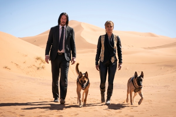 John Wick (Keanu Reeves) and Director (Anjelica Huston) n JOHN WICK: CHAPTER 3 - PARABELLUM