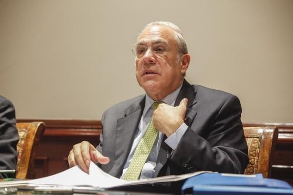 El Secretario General de la OCDE, Ángel Gurria, de México, presentó un informe donde el organismo concluye que la economía latinoamericana crecerá a menor ritmo este año.