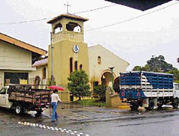 La iglesia está cerca del recinto de la UCR. | JORGE ESQUIVEL PARA LN