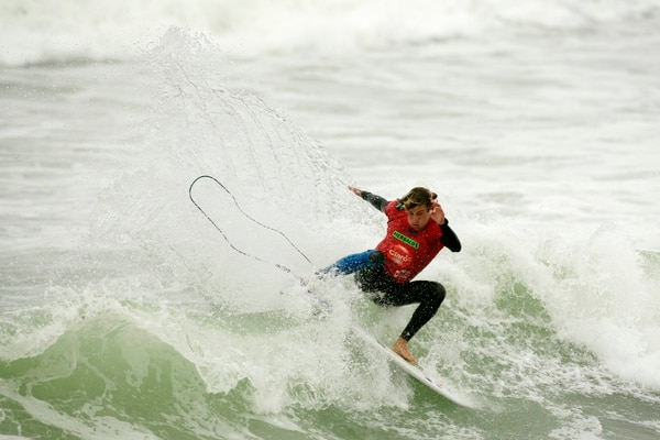 Anthony Fillingim está a un paso de la final del Mundial de Surf en Perú