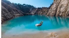 Fotos en agua turquesa y tóxica: la nueva y peligrosa tendencia de Instagram