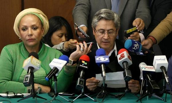 El líder de Clamor Social por la Paz, Germán Roncancio, y la exsenadora colombiana Piedad Córdoba anunciaron ayer el inicio de conversaciones exploratorias para el proceso de paz entre el Gobierno y el ELN. | EFE