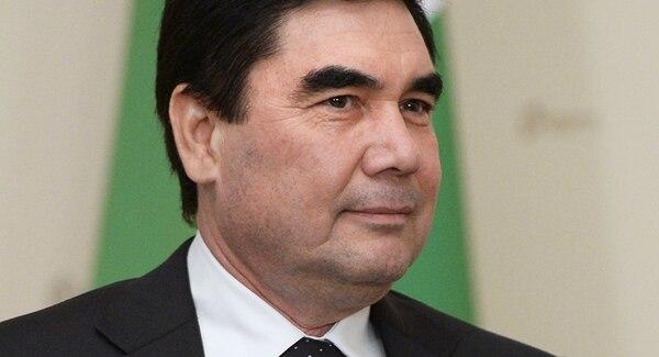 En 2006 llegó a la cima del poder con el apoyo vital de los servicios secretos, tras la muerte repentina de Niazov.