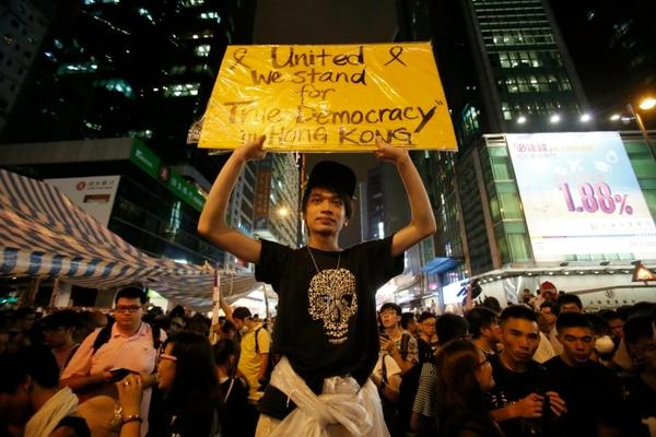 Estudiantes del movimiento prodemocrático durante una e las protestas en Hong Kong, el 3 de octubre del 2014.