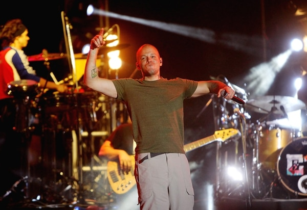 Residente puso a Colombia a menearse duro, en su enérgico concierto del miércoles, como parte de la gira 'Multi_Viral'. / Fotografía: EFE.