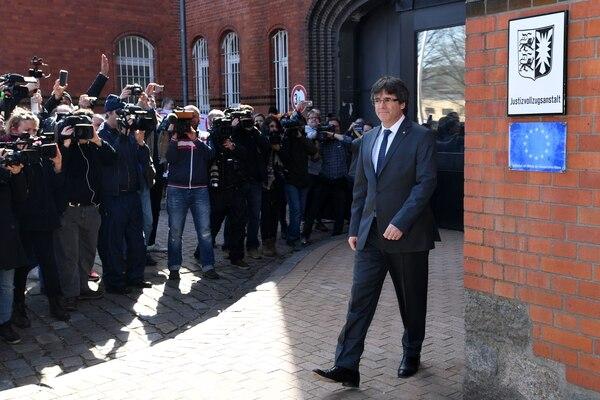 El expresidente catalán Cales Puigdemont abandonaba la prisión de Neumuenster, en el norte de Alemania, el viernes 6 de abril del 2018.
