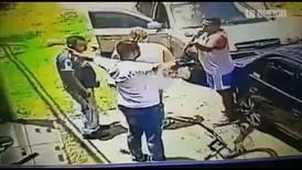 Esposa de sujeto que disparó en panadería quedó libre con medidas