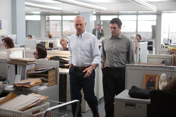 El vestuario de la cinta aspiró a ser un retrato auténtico de los periodistas del Boston Globe : un uniforme de trabajo cómodo, holgado y que reflejara el desdén del equipo por su apariencia física. Discine para La Nación.