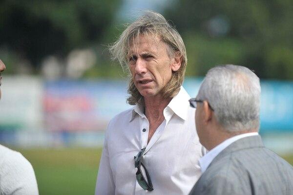 El estratega Ricardo Gareca estuvo en el Proyecto Gol y visitó sus instalaciones. Foto: Jose Cordero
