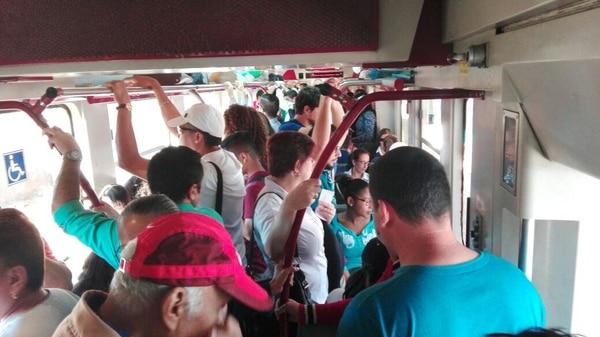Tren salió abarrotado a las 8 a.m. de la estación de Alajuela.