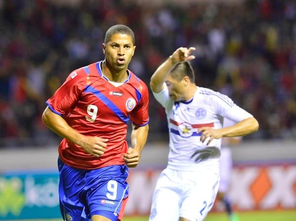 El delantero Álvaro Saborío regresará a la Selección Nacional luego de cinco meses de ausencia, incluido el Mundial de Brasil 2014. El atacante fue convocado para los fogueos de este mes ante Omán y Corea del Sur. | ARCHIVO