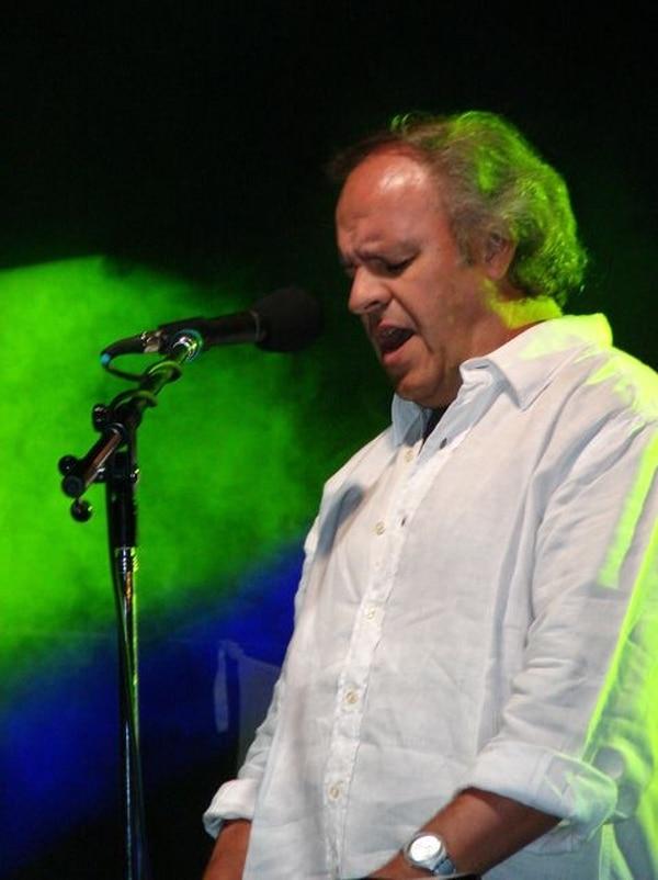 En mayo del 2010, César Banana Pueyrredón dio concierto en Costa Rica al lado de la Orquesta Filarmónica. Miguel Cabrera Producciones p/ LN.Encuentro.