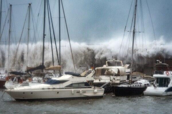 La tormenta Gloria que golpeó España, durante enero, dejó un saldo en de 13 personas fallecidas. Los impactos de eventos climáticos extremos, como este, son cada vez más comunes y de preocupación para las autoridades del país europeo. Foto: AFP