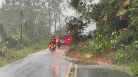 Rutas 32 y 10 al Caribe seguirán cerradas por lluvias y derrumbes
