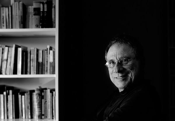 El escritor Rafael Ángel Herra se inspiró en una anécdota propia para su nuevo libro de cuentos.