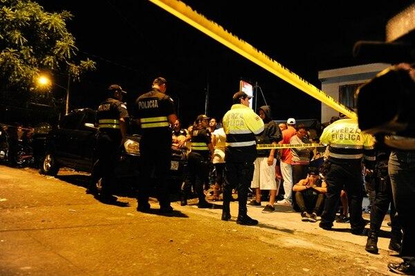 La primera balacera sucedió en Calle Fallas, frente a la casa de Ronny Loría, quien conversaba en ese momento con José Pablo Godínez. El primero quedó herido, pero el segundo falleció en el sitio. | JEANNINE CORDERO