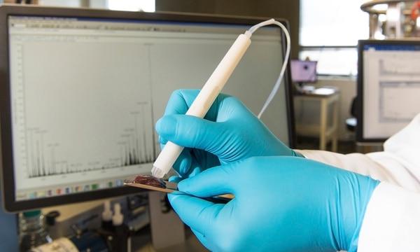 En pruebas con ratones vivos la sonda MasSpec Pen pudo detectar sin error la presencia de células cancerosas, sin dañar los tejidos de donde tomaron la muestra.