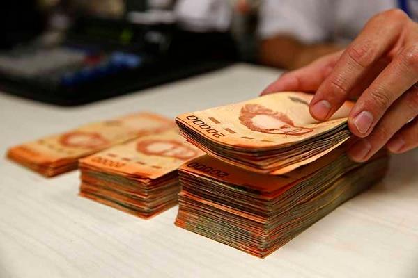 Con el aumento de tasas en colones algunos ahorrantes regresaron a invertir en la moneda local.