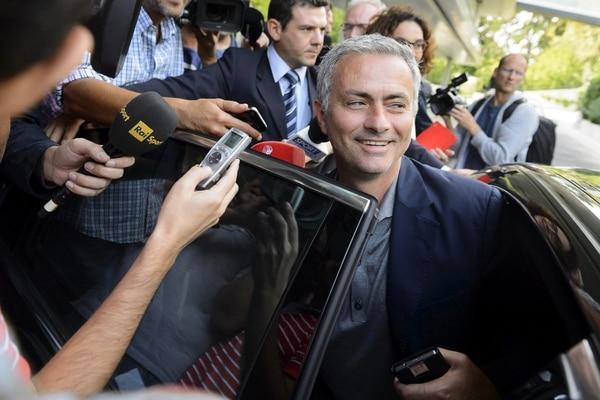 El entrenador del Chelsea, José Mourinho, tras la reunión de entrenadores de élite que organiza la UEFA en su sede de Nyon (Suiza).
